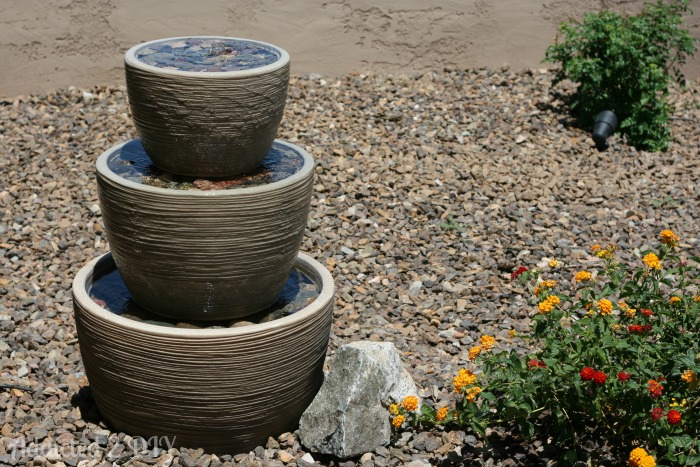 Diy tiered water fountain addicted 2 diy for Easy diy outdoor water features
