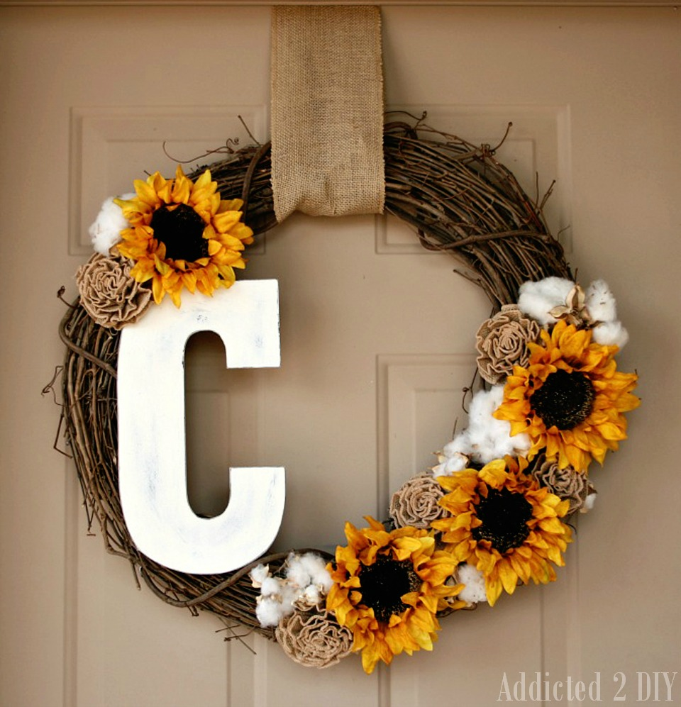 Fall monogram wreath addicted 2 diy for Easy diy fall crafts
