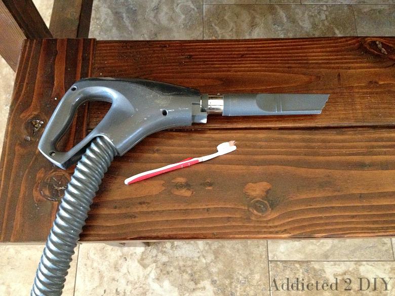 How to Clean a Farmhouse Table