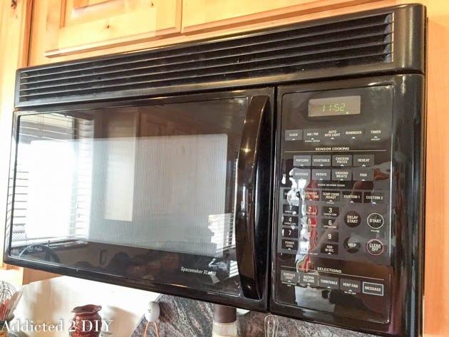 how-to-clean-the-microwave