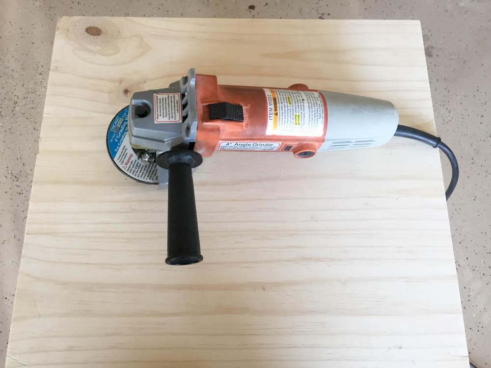 add-saw-marks-to-wood