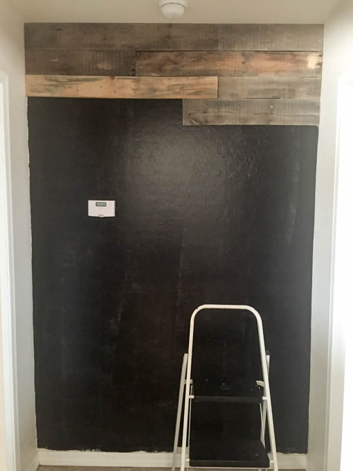 How To Install A Pallet Wall The Easy Way - Addicted 2 DIY