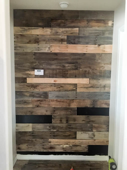 How To Install A Pallet Wall The Easy Way Addicted 2 Diy