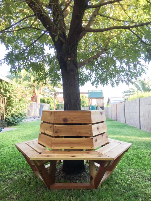 How to build a hexagon cedar bench addicted 2 diy for Benches that go around trees