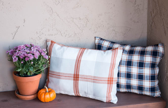 how to make fall pillows from dishtowels