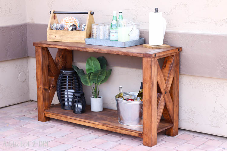 Outdoor furniture can be so expensive, but these DIY outdoor furniture projects are high on style and easy on your wallet! If you are looking for outdoor furniture ideas that you can make yourself, click through to see the best DIY outdoor furniture tutorials on the web!