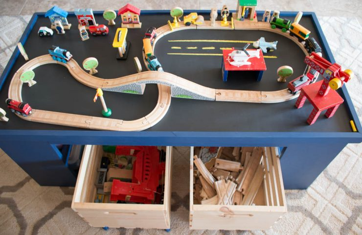Free Plans – Build a DIY 4-in-1 Activity Table