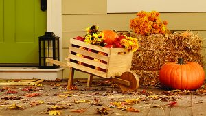 Fall 2016 DIH Workshop at The Home Depot:  Rustic Wheelbarrow