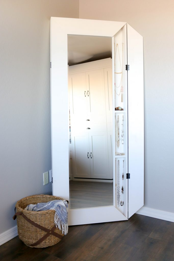 diy full length storage mirror addicted 2 diy. Black Bedroom Furniture Sets. Home Design Ideas