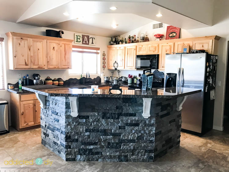 Here Is What Our Kitchen Looked Like Before We Got Started With Things The Cabinets Are Knotty Alder And While They Were In Great Shape Just Weren T