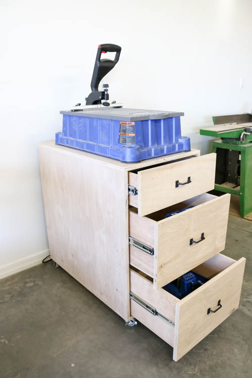 DIY Mobile Cart for Kreg Foreman