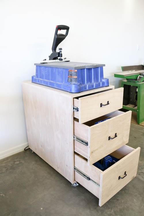 DIY Mobile Cart for Kreg Foreman