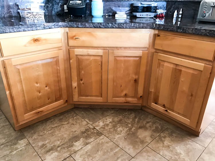 Paint Kitchen Cabinets With Knots