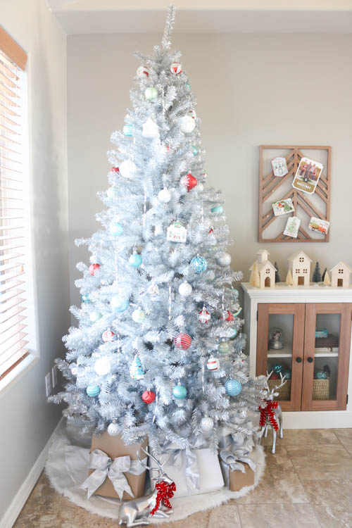 im so thrilled with how the tree turned out and that i was able to incorporate the mid century modern look for it dont forget to head over to the - Mid Century Modern Christmas Tree