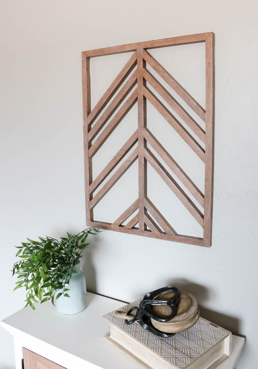 Iu0027m back with another fun project today and sharing this DIY wooden wall art but it has a little something extra that takes it up a notch. & DIY Wooden Wall Art and Photo Display - Addicted 2 DIY