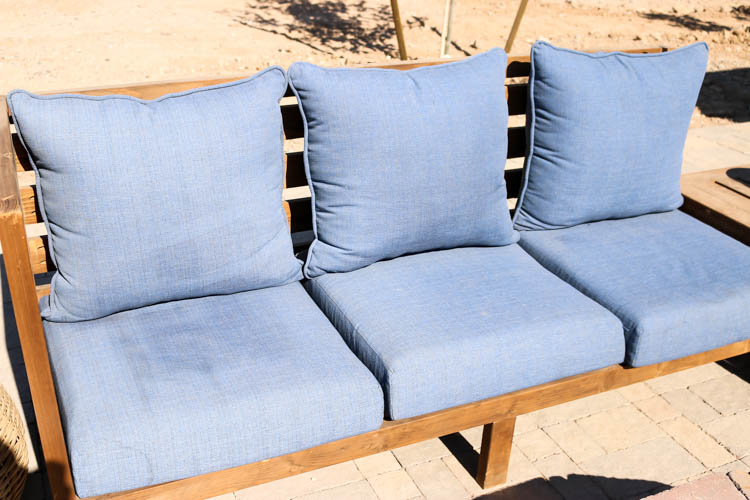 How To Clean Patio Cushions 9902