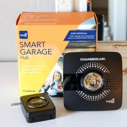 MyQ Smart Gargage Door Hub packaging