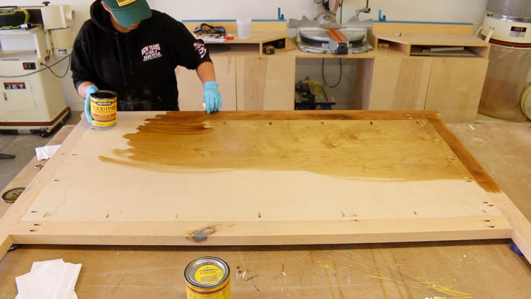 Staining Bed