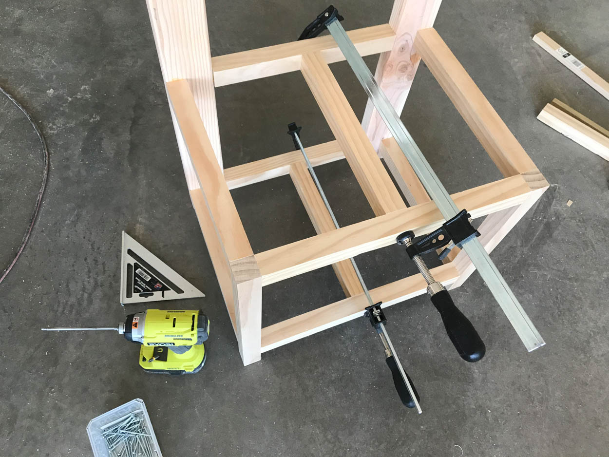 attaching center supports to bench