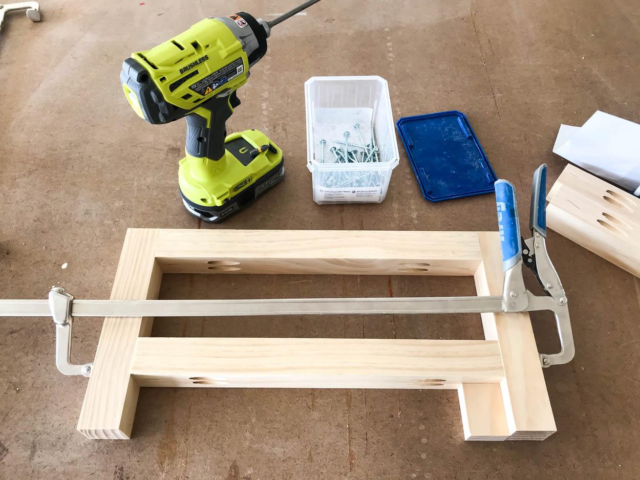 build middle legs